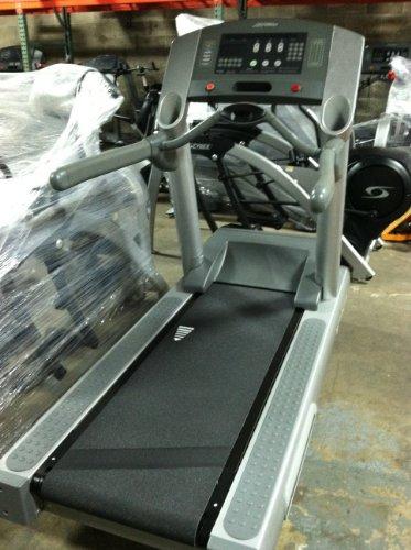 Life Fitness Remanufactured 95Ti Treadmill