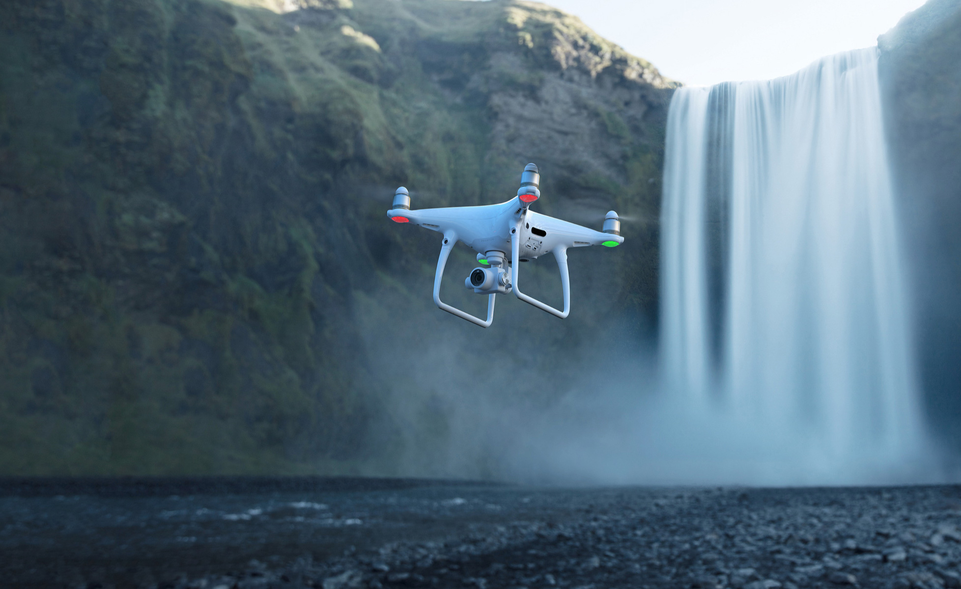 dji-launches-phantom-4-pro