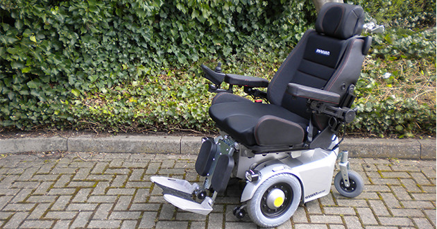 disadvantags of power wheelchair