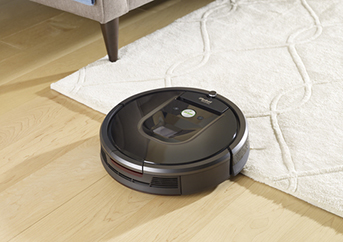 Roomba 985 on hardwood floor